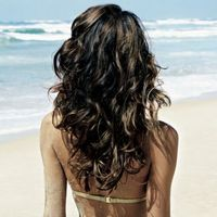 To create wavy hair- mix 1tsp. epsom salt+a few drops of olive or jojoba oil+1/4c H2o in a spritzer bottle, mist on damp hair