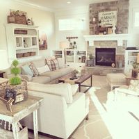 75 warm and cozy farmhouse style living room decor ideas (62)