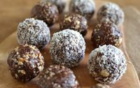 Bliss balls are little bombs of perfection. They are really filling, full of protein, appeal to our chocolate-loving side and are so quick to make. As you know, I'm all about the food,
