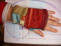 Ravelry: Golden mean fingerless mitts pattern by Buús-Zsohár Anna (for evan)