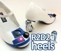 R2D2 heels for the Star Wars Nerdette // Free Instructable DIY PDF download