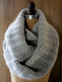 Fluted Cowl knitting pattern from