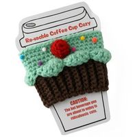 Cupcake Coffee Cozy - All Things Cupcake. Twinkie Chan makes the cutest things.
