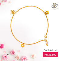 Stun everyone with something a little different with this gold anklet.