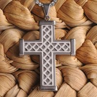 Contemporary in style, this stainless steel Personalized Silver Weave Cross Pendant can be worn every day or for special occasions. The perfect size for any age, it features a lattice-work front and plain back with room for engraving. Suitable for either ...