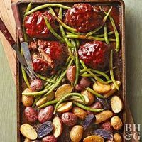 Meat loaf in individual portions, fingerling potatoes, and crunchy green beans all on one sheet pan? Count us in.